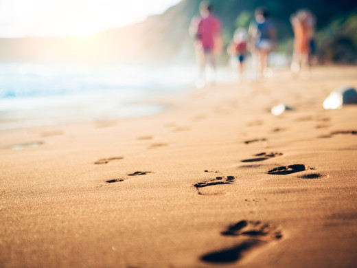 Market Trace for Tourism - Footsteps on a Beach